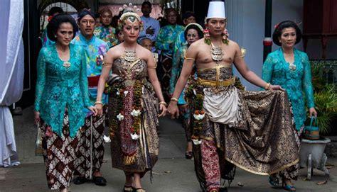 Iring Tosca By Istore Indonesia resepsi nikah putri sultan bersuasana hijau tosca tempo