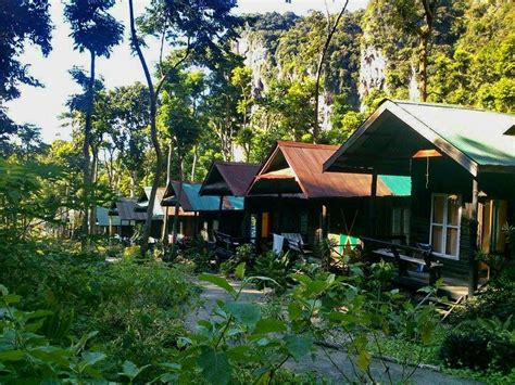 tonsai bungalows chill out bar bungalow railay krabi thailand
