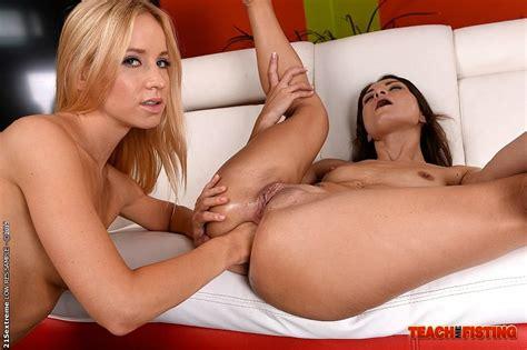 Kiara Lord And Valentina Bianco Lesbians Stripping