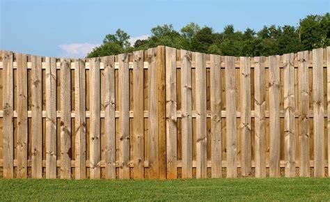 Bq Fencing Trellis How To Fit A Garden Fence Homebuilding Renovating