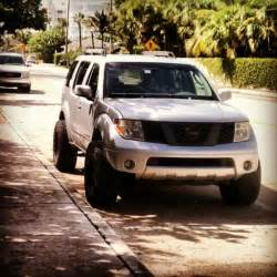 Nissan Road Nissan Pathfinder Road Reviews Prices Ratings With
