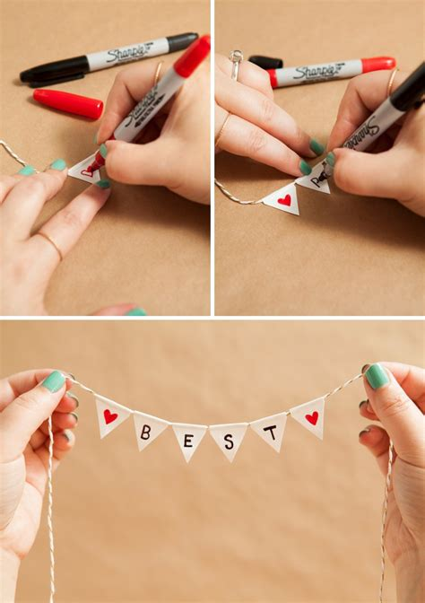 Diy Wedding Cake Simple by Learn How To Make A And Simple Bunting Cake Topper