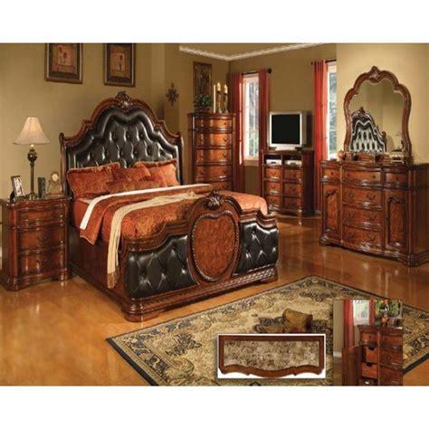 victorian tufted headboard 1000 ideas about victorian bedroom furniture on pinterest victorian bedroom bedroom suites