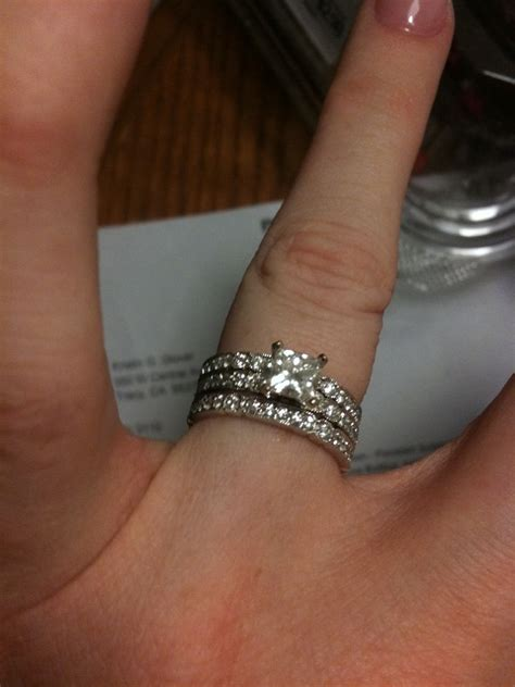2 bands both on one side of e ring or one of each side