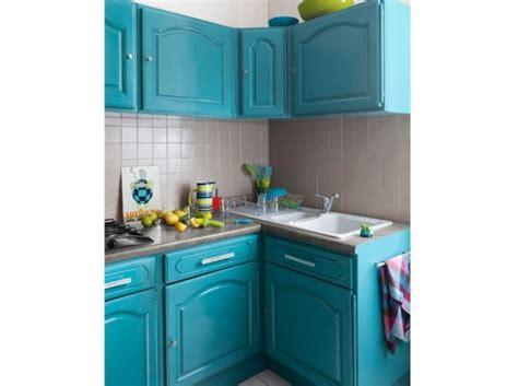 poign馥s placard cuisine cuisine 12 astuces pour relooker facilement vos placards