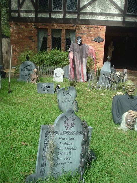 yard haunt decorating ideas 35 best ideas for decorations yard with 3 easy tips