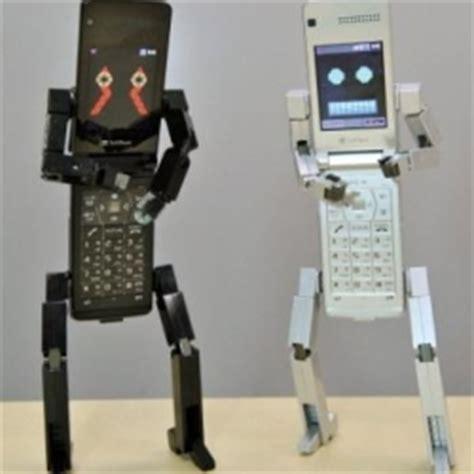 Mainan Robot Mobile Telephone japanese cellphone robot if the user calls a particular