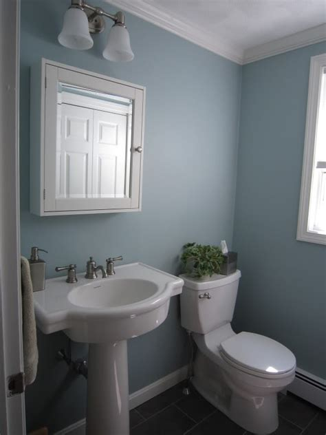 bm wedgewood gray paint bathroom wall