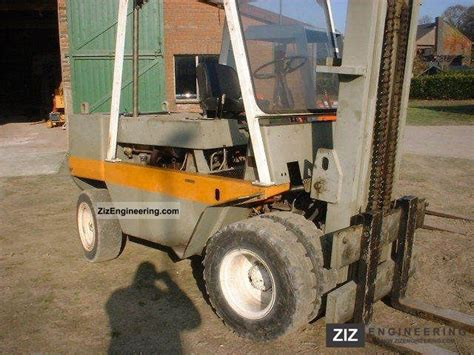 Home 1 5 Kg Cat By F J Pet Shop still 7 5 1980 front mounted forklift truck photo and specs