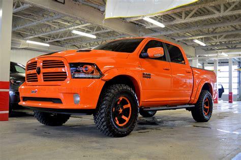 orange cars 2017 l 233 vis chrysler ram 1500 sport orange plusieurs
