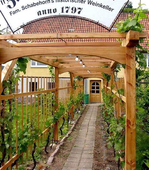 Pergola Im Garten 900 by Laubengang Aus Holz Oder Metall Bauen Und Begr 252 Nen