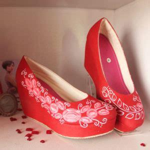 Sepatu Lukis Menara Eiffel Retro product categories sepatu cantik