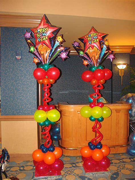 Alice In Wonderland Topiary - christmas winter new years eve balloon decor on pinterest