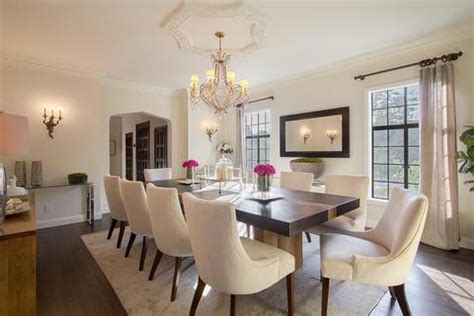 size rug   put   dining room table