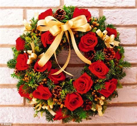 christmas decorations making   door wreath