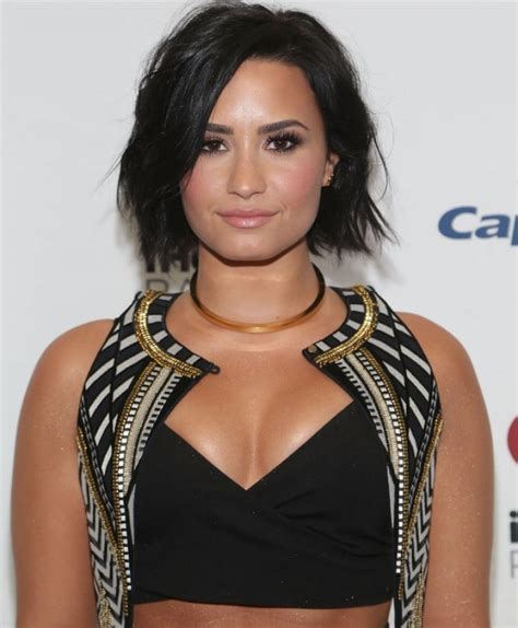 demi lovato biography galleries demi lovato s biography wall of celebrities