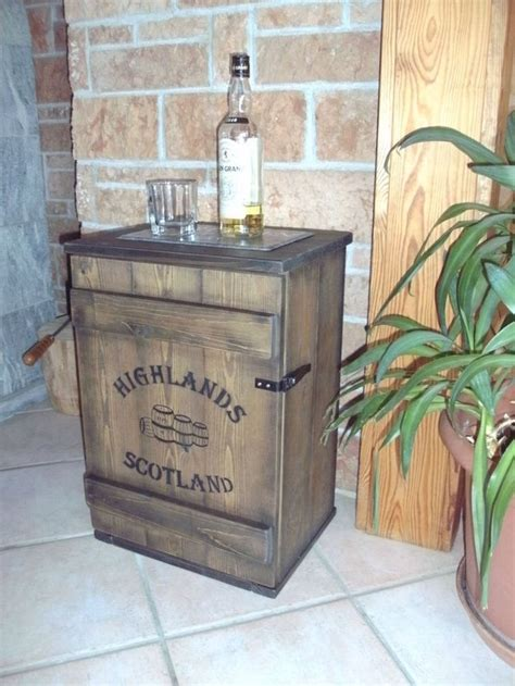 whisky schrank shabby frachtkiste mini bar vintage couchtisch whiskey