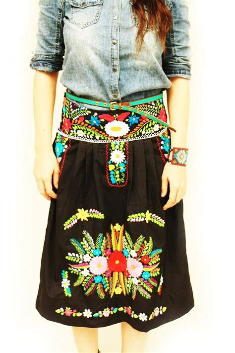 Handmade Mexican Embroidered Dresses - 1000 ideas about mexican embroidered dress on