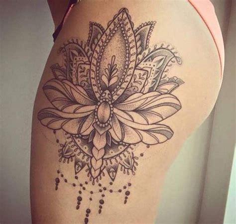 tattoo mandala dentelle les 25 meilleures id 233 es concernant tatouages de fleur sur