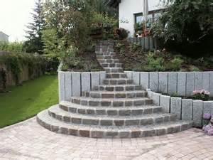 garten granit die 25 besten ideen zu granit palisaden auf