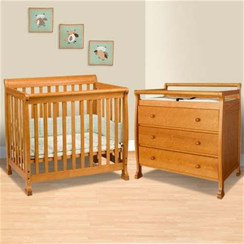 Mini Crib With Changing Table Da Vinci 2 Nursery Set Kalani Mini Crib And 3 Drawer Changing Table In Honey Oak Free