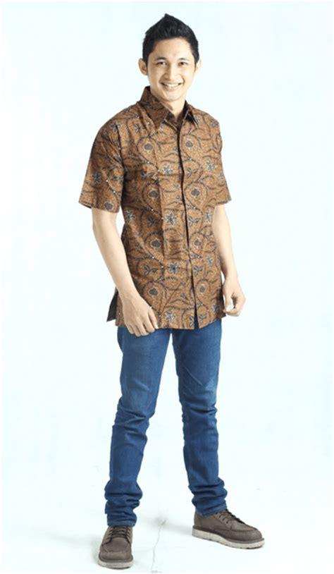 Batik Fashion Cowok Lengan Panjang Berkualitas Nyaman Dipakai 8 tips fashion cowok untuk kamu yang ingin terlihat