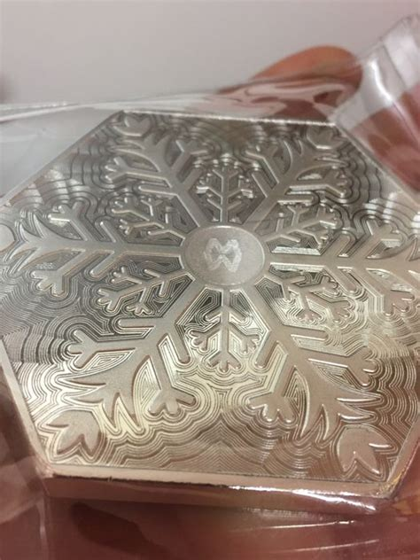 10 oz silver hexagon snowflake usa 10 oz 999 silver snowflake hexagon bars