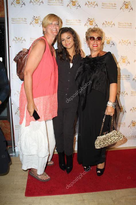 imagenes de la familia de zendaya zendaya coleman mom stock editorial photo 169 jean nelson