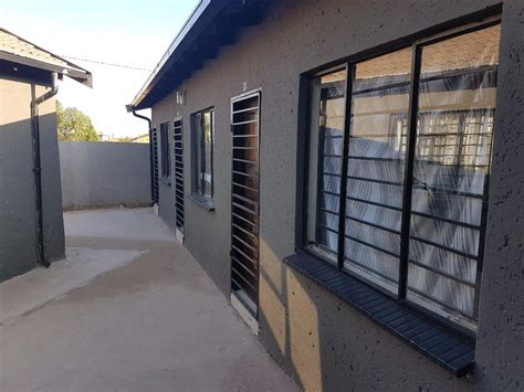 rooms to rent rooms to rent in soweto dobsonville gardens and protea glen johannesburg