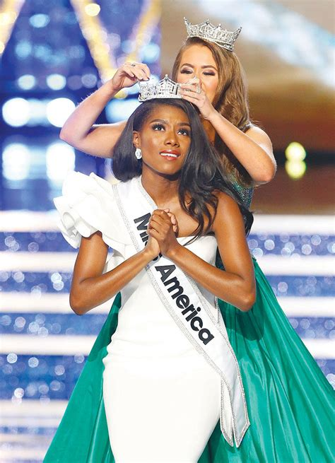 nia imani center miss new york nia imani franklin wins 2019 miss america