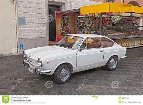 sport italien coupe de fiat 850 de voiture de vintage
