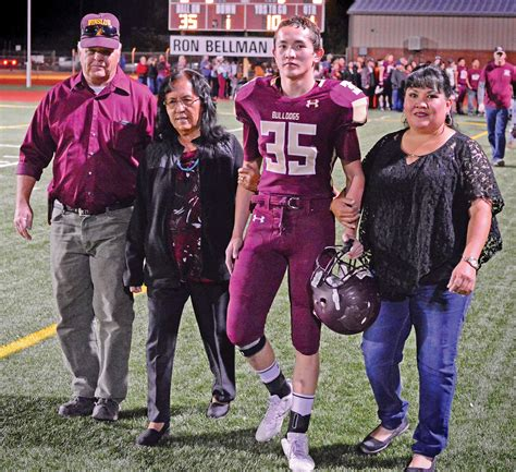 night high school students and photographs on pinterest winslow high school recognizes student dedication at