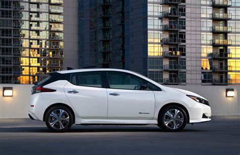 nissan electric 2019 2019 nissan leaf plus gets longer range in cheapest trim