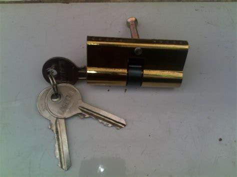 Cylinder Kunci Pintu Rumah cylinder kunci pintu biasa harga rp 25 000 ahli kunci