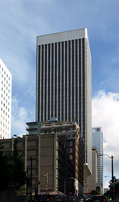rainier tower  skyscraper center