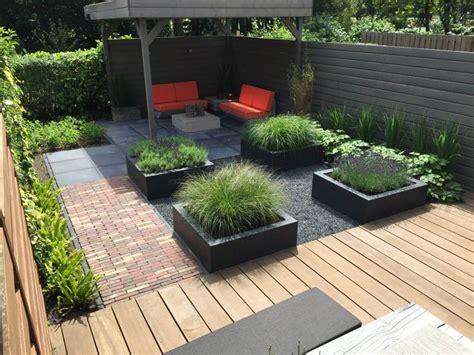Kleine Tuinen Voorbeelden by Meer Dan 1000 Idee 235 N Kleine Achtertuin Tuinen Op