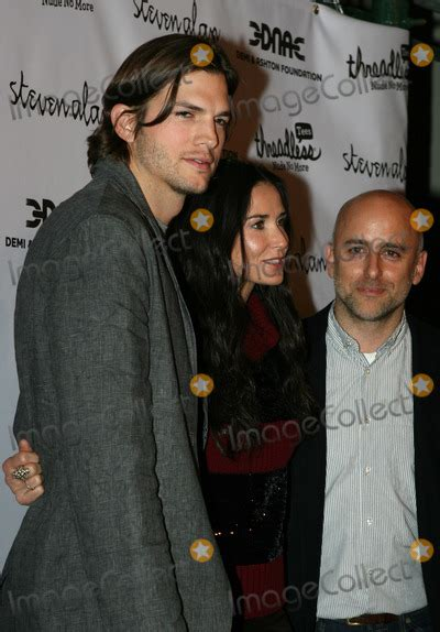 Dont Ask Ashton Kutcher Anything Personal by Photos And Pictures Actors Ashton Kutcher And Demi