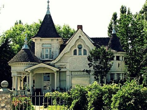gothic homes victorian gothic abandoned home victorian homes pinterest