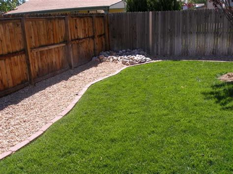29 Impressive Backyard Landscaping Ideas For Dog Owners Landscaping Ideas For Backyard With Dogs