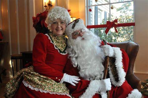 santa mrs claus breakfast with santa and mrs claus the nonantum resort