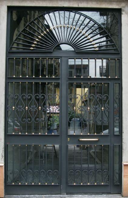 portoni d ingresso in ferro portone ferro e vetro gu46 pineglen