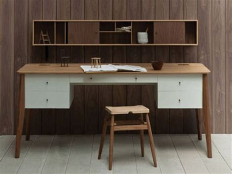 the functional pontus desk by pinch