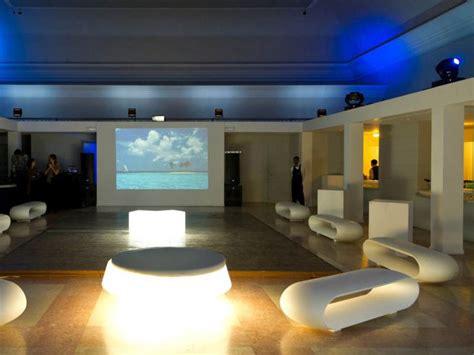 divanetti gonfiabili noleggio divani torino per eventi noleggiodesign
