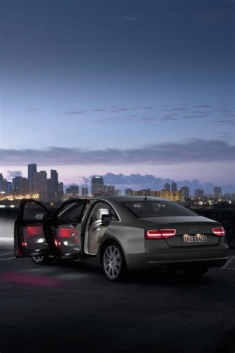 Car Wallpapers For Iphone 4s by Car And City Skyline Iphone 4s Wallpapers Free 640x960 Hd