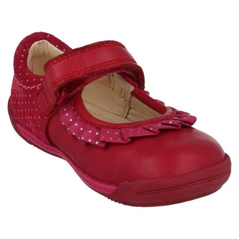 infant walking shoes infant clarks walking shoes softly stef