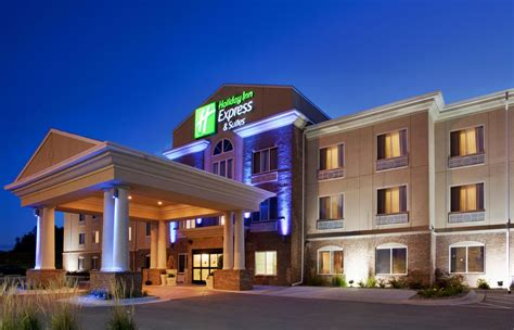hotels in omaha ne with in room inn express suites cherry reviews photos rates ebookers