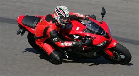 Motorrad Test Cbr 600 Rr honda cbr 600 rr testbericht