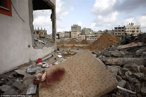 what color is blood before it hits air gaza buries its dead after bloodiest day yet of israel s