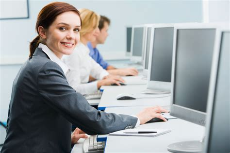how to hire the best administrative assistant