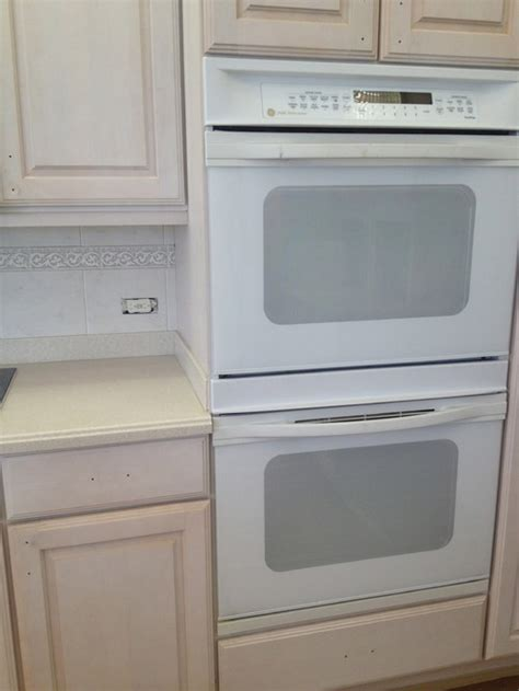 What White Paint For Kitchen Cabinets With White Appliances White Kitchen Cabinets White Appliances